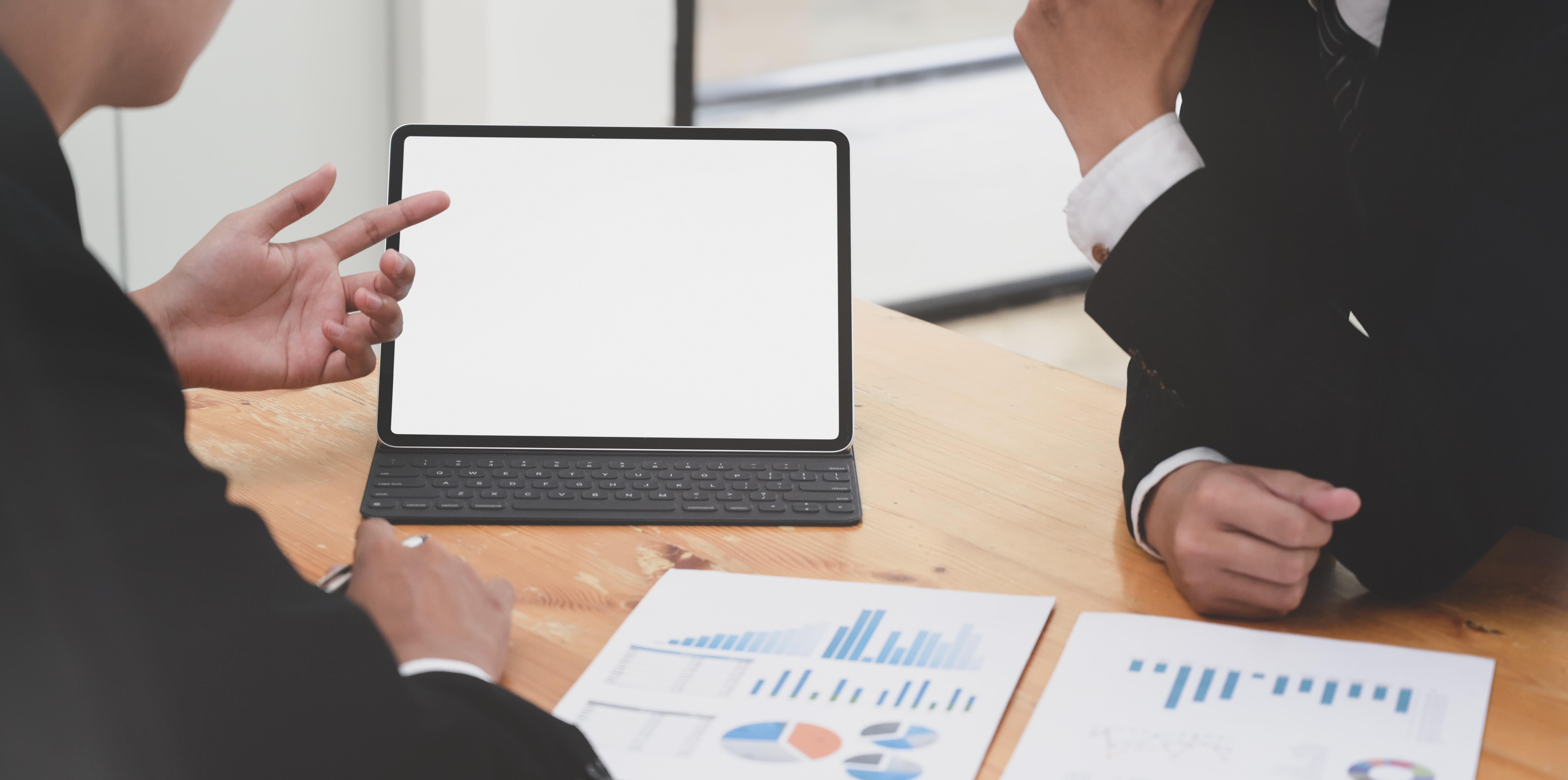 Co dzieje się z numerami NIP, REGON i KRS w przypadku przekształcenia działalności gospodarczej w spółkę z o.o.?